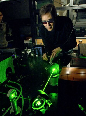 Lasers allow us to selectively excite smart composites - even with small spectroscopic differences,
