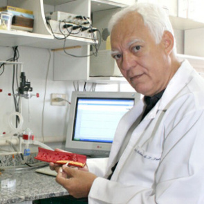 Professor at the Institute of Biological Sciences, UFMG, Robson Augusto Souza dos Santos