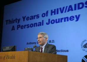 Anthony S. Fauci, diretor do National Institute of Allergy and Infectious Diseases (NIAID)