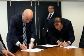 Representatives signed the agreement of the State Department of Health (SES) and the Federal Court of Rio de Janeiro (JFRJ)