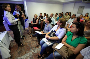 Meeting Strategic DesenvolvimentoEscolar (NET) was detinada local institutions, units of public and private educational and government agencies