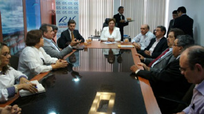 Commission Fenam gathered with the governor, Rosalba Ciarlini