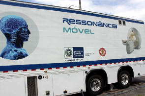 Image of the vehicle that carries magnetic resonance mobile service