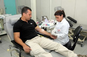 Blood donation in Hemorio. Blood Center promotes lectures and events aimed at young audiences to retain new donors.