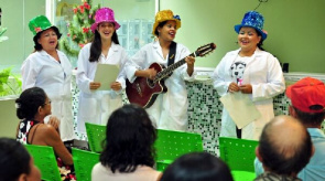 In this period were worked storytelling and stories, popular music and dramatized reading