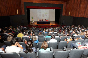 State Department of Health brought together more than 300 pharmacists and the Metropolitan Region of Curitiba to present the new procedures.