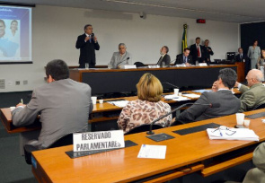 Health Minister Alexandre Padilha, participates in joint public hearing of the commission on Social Security and Family; Financial Supervision and Control and Consumer Protection