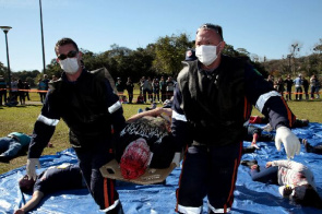 Action involved 250 people, was held at the Park Barigüi, with the participation of professionals in the areas of health and civil defense Curitiba