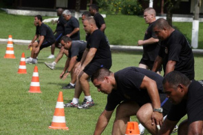 Thirteen police's Special Operations Battalion (BOPE) of the Military Police of Rio de Janeiro during intensive training in order to burn calories and regain fitness.
