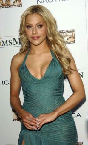 Actress Brittany Murphy has died aged 32, suffered heart attack